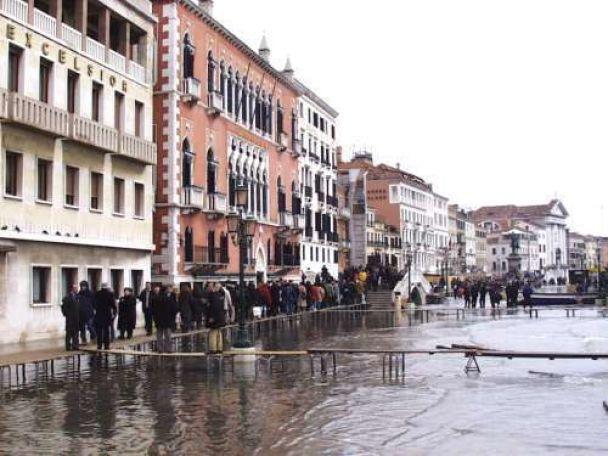 Венеції загрожує страшна повінь (фото)