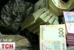 Держава повісила на кожного українця борг у 6 тисяч гривень