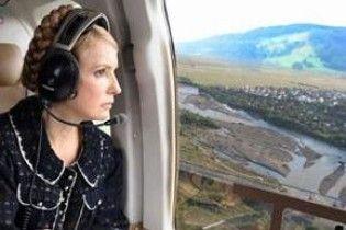 Тимошенко змінила маршрут літака, щоб заскочити в лікарню