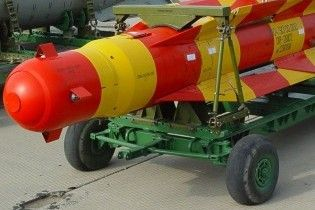 Пентагон розробляє авіабомби для знищення іранських та корейських бункерів