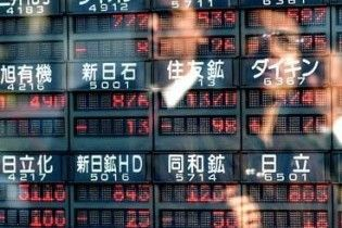 На Токійській біржі обвалився індекс Nikkei