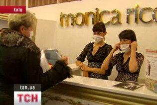 Працівників громадських закладів без масок штрафують на 100 грн
