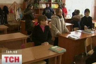 """Янукович пообіцяв повернути в школи """"десятирічку"""""""