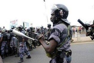 """У Габоні почалися безлади під гаслами """"Бий французів!"""""""