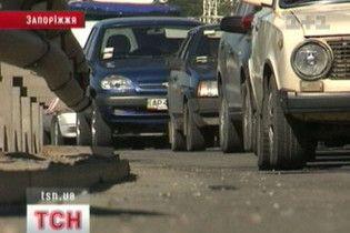Мільйонне Запоріжжя паралізував транспортний колапс