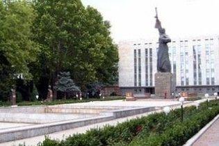 У Ташкенті пам'ятник радянським воїнам замінили монументом на честь узбецької армії