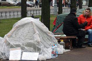 Учасник голодування біля уряду Латвії доставлений в лікарню