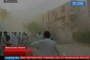 Щонайменше чотири людини загинули від вибухів в університеті в Пакистані