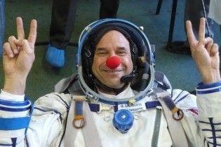 Клоун-мільярдер провів добродійне шоу у космосі