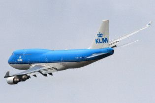 Boeing 747 здійснив перший рейс з біопаливом в баку