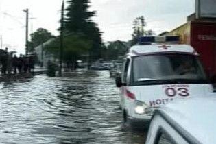 40-хвилинна злива затопила грузинське місто Батумі