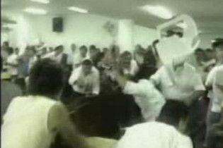 Аргентинські депутати побилися у прямому ефірі