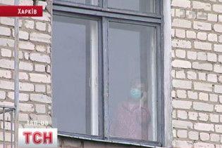 """У харківській гімназії хвора на туберкульоз вчителька вела уроки з """"липовою"""" довідкою"""