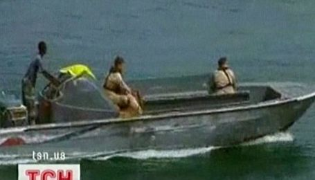 Екіпаж Аріани досі не покинув узбережжя Сомалі