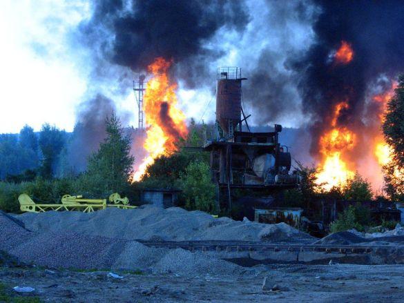 Пожежа у Львові: півміста під загрозою