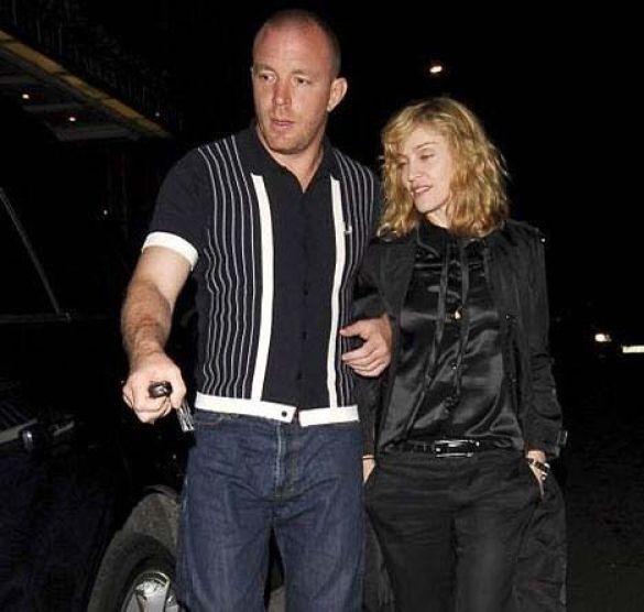 Мадонна напилася через хлопчика