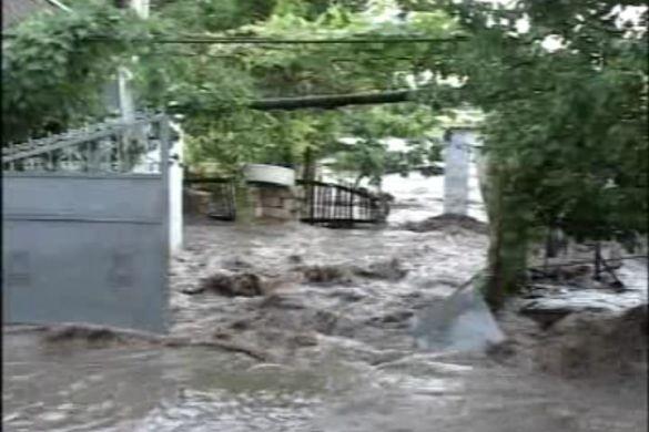 Через сильний поводок з села евакуювали людей