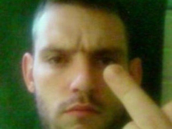 Британські поліцейські спіймали грабіжника - зірку Facebook