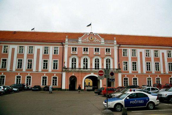 Естонська поліція зможе анулювати візу