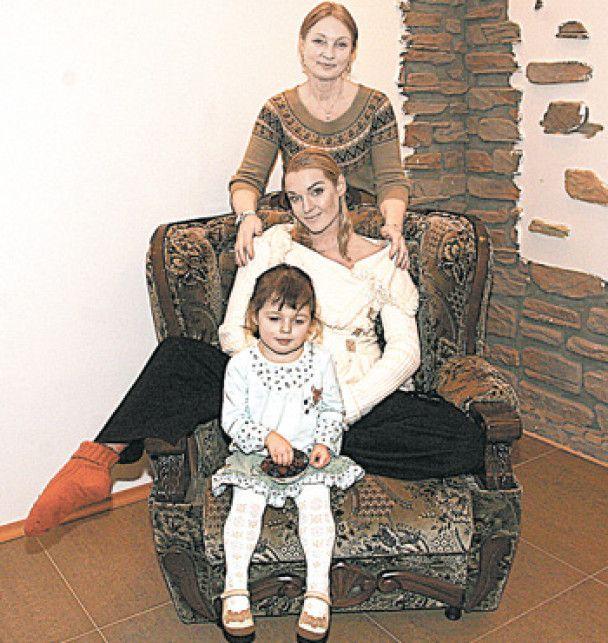 Мама Волочкової збирається подати на доньку до суду