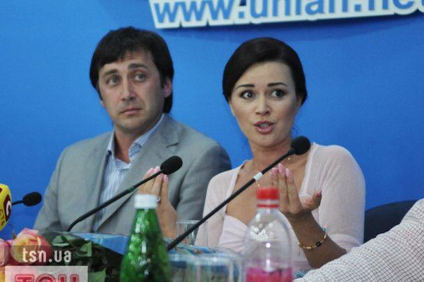 Анастасія Заворотнюк розлучається з чоловіком-фігуристом через гроші