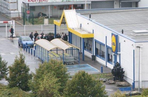 Поліція звільнила заручників, захоплених під час пограбування у Франції