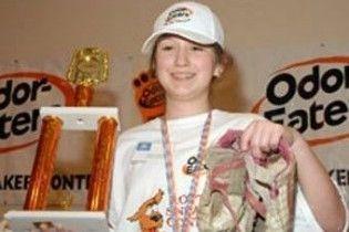 У конкурсі на найбільш смердючі кросівки перемогла одинадцятирічна дівчинка