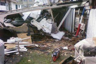 У США літак впав на житлові будинки