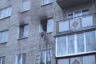 У Миколаєві бабусі допомогли донести сумки, а потім убили і спалили квартиру