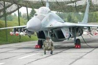 У Білорусі зіткнулися два винищувачі