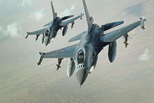 Два винищувачі F-16 загрожували пасажирському лайнеру