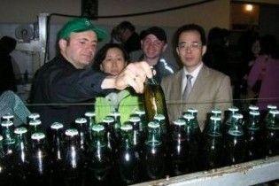 На грузинському заводі пролили вісімсот тонн пива