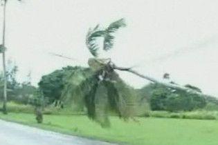 Урагани в Афганістані та Індії забрали життя 150 людей
