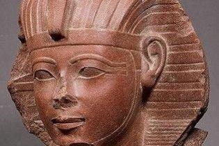 В Єгипті знайдено гранітну голову діда Тутанхамона