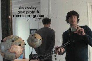 Двоє фотографів здійснили навколосвітню подорож за 80 секунд