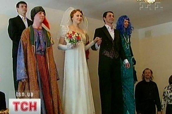Весілля на ходулях