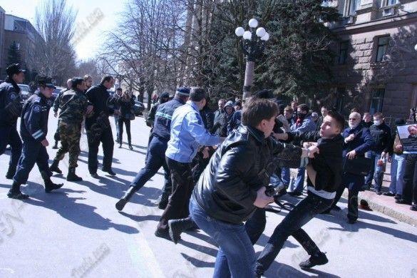 Миколаїв, бійка, пікет проти Табачника