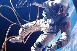 Ющенко і Тимошенко привітали космонавтів з професійним святом