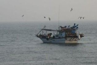Південнокорейське рибальське судно затримано прикордонниками КНДР