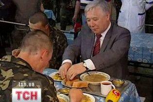 Наряди на кухню повернуться: на армію чекають злидні
