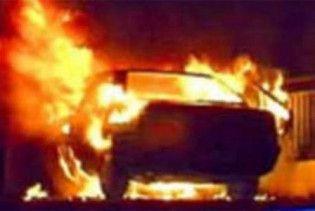 """Керівнику """"Народної Самооборони"""" в Кіровограді спалили два автомобілі"""
