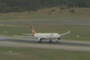 На борту австралійського А330 постраждали сім людей