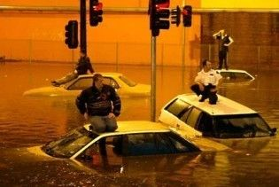 Зливи спричинили повінь в Австралії