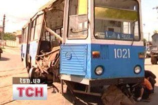 На Дніпропетровщині вантажівка протаранила трамвай