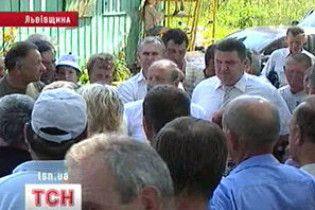 Львів'яни перекрили дорогу до міського сміттєзвалища