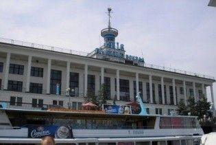 На знімальну групу напала співробітниця київського річкового порту