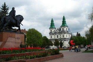 БЮТ стверджує, що в Тернополі хочуть повторити мукачівський варіант