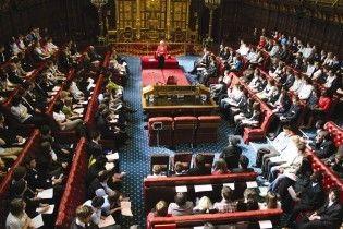 Британські парламентарі вдвічі збільшили собі скандальні компенсації