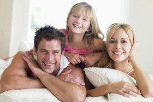 У вродливих батьків народжуються дівчатка