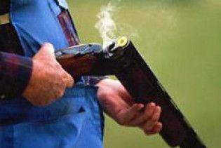 П'яні австралійці вистрілили один одному у сідниці